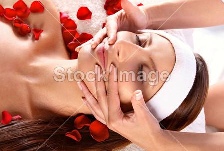 La ginnastica facciale: un valido aiuto per la pelle del viso