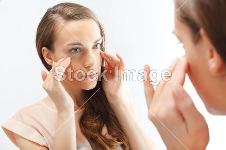 Come prendersi cura della pelle matura